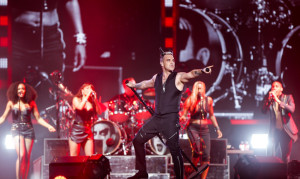 Robbie-Williams-Abu-Dhabi-3